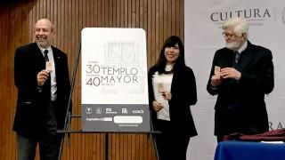 Presentación de tarjeta conmemorativa por el 30 Aniversario del Templo Mayor
